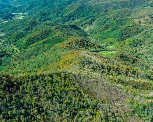 Aerial photo of Yellow Mountain Connector by Dennis Oakley and Southwings